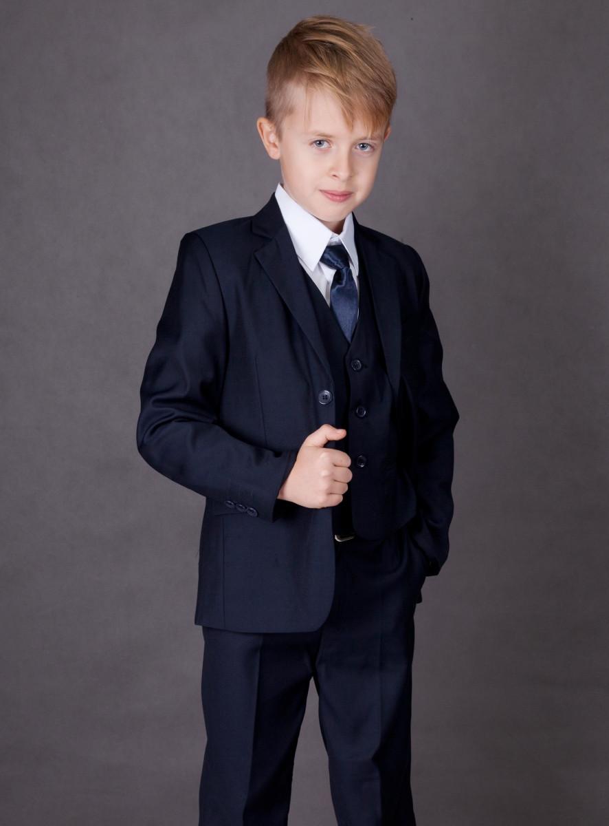 Comment choisir un costume enfant pour un mariage   (+ un code promo chez  magique boutique) ace00012244